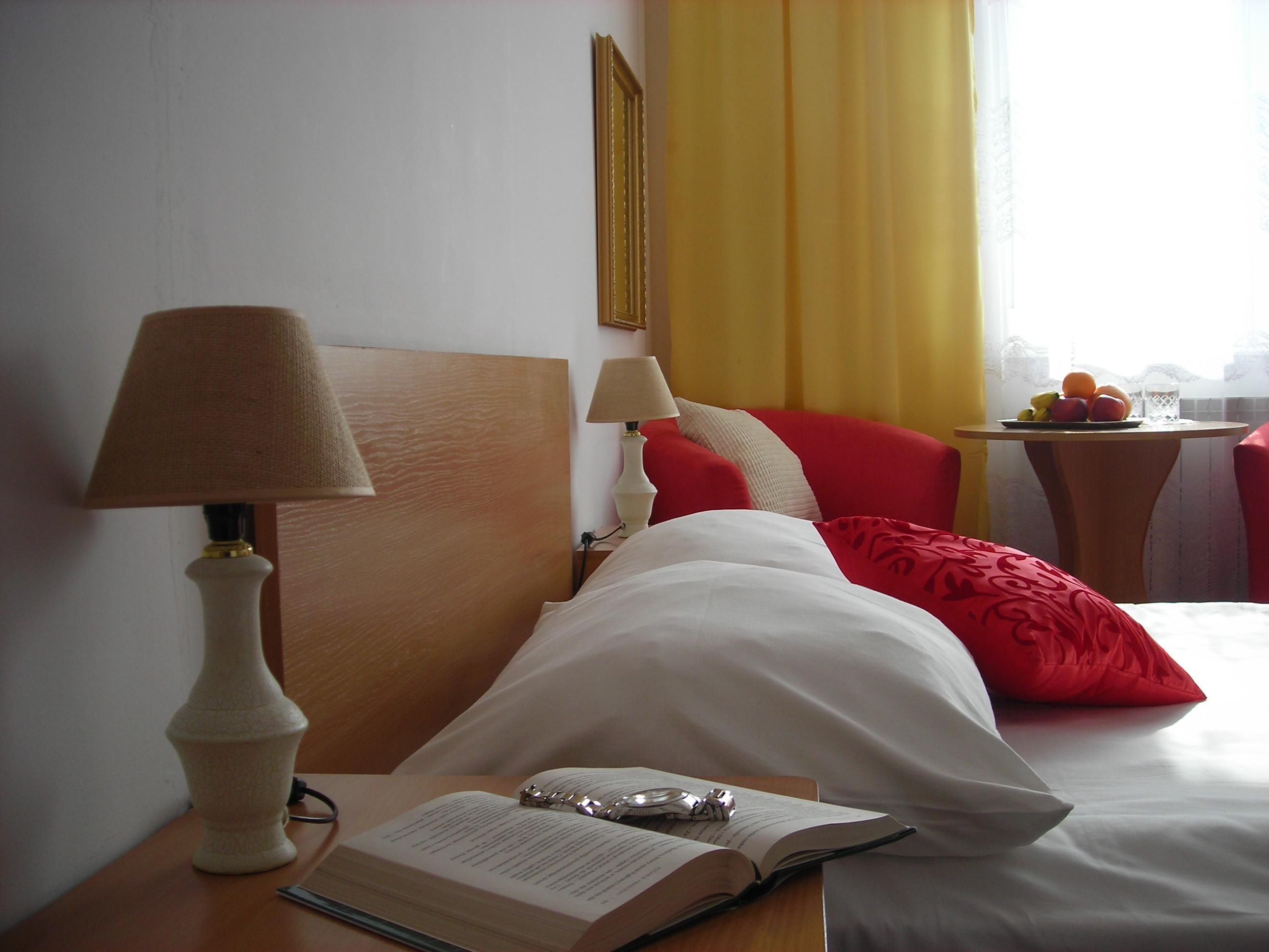 http://eng.hotelas.pl/wp-content/uploads/2017/11/hotel_biala_podlaska_pokoj_dwuosobowy_apartament.jpg